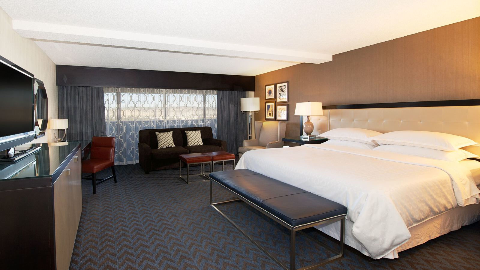 Deluxe Guest Rooms in Mission Valley - King Queen Deluxe Rooms | Sheraton Mission Valley San Diego Hotel