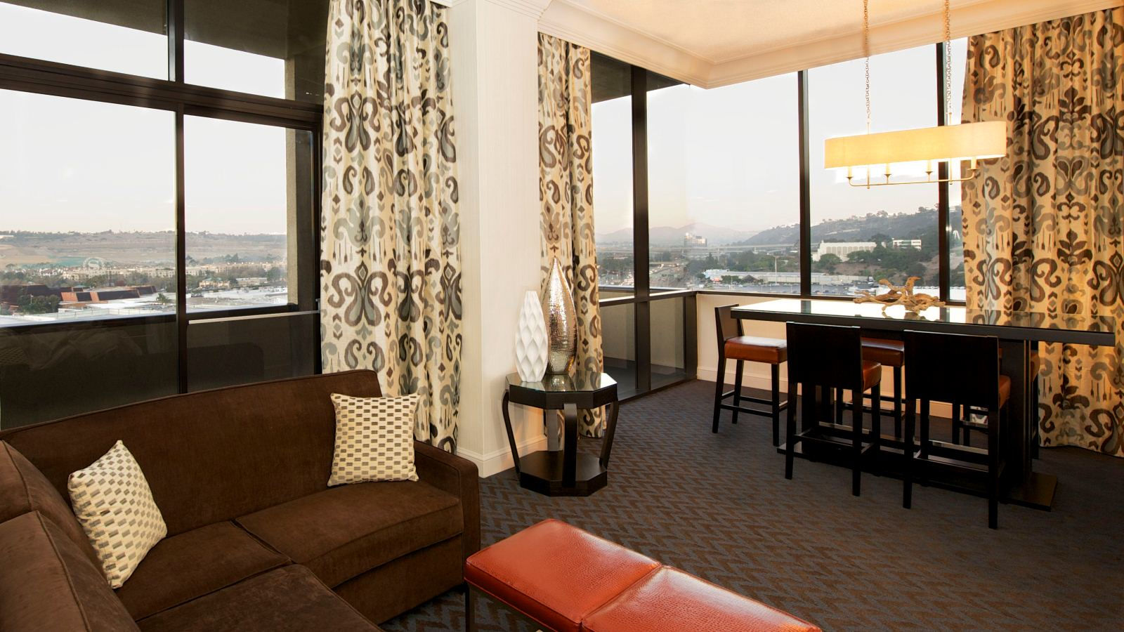 San Diego Presidential Suite - Sheraton Mission Valley San Diego Hotel