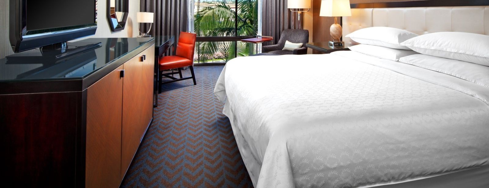 Mission Valley Traditional Guest Room - King and Queen Guest Rooms | Sheraton Mission Valley San Diego Hotel